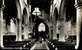 The interior of the church about 1910 [Z1130/127]